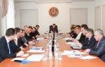 В Правительстве обсудили тарифы на жилищные услуги и муниципальные программы капремонта внутридомовых сетей