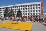 В Бендерах  прошли праздничные соревнования по национальной борьбе «трынта»
