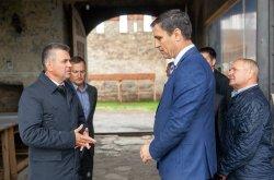 Глава государства проинспектировал ход строительных работ на территории Исторического военно-мемориального комплекса «Бендерская крепость»