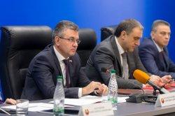 Строительство и ремонт дорог и тротуаров обсудили на совещании у Президента