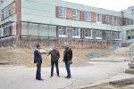 Николай Глига проверил ход ремонтных работ в школе №16