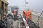 По улице Ермакова начался ремонт моста