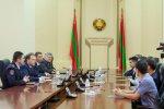 Президент Евгений Шевчук лично вручил государственные награды бендерчанам, спасшим жизни утопающих