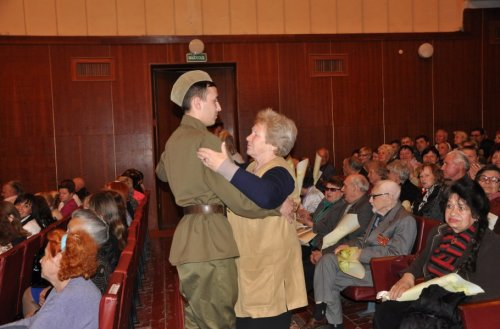 Праздничный концерт в честь Дня Победы прошел в ДК им. Павла Ткаченко