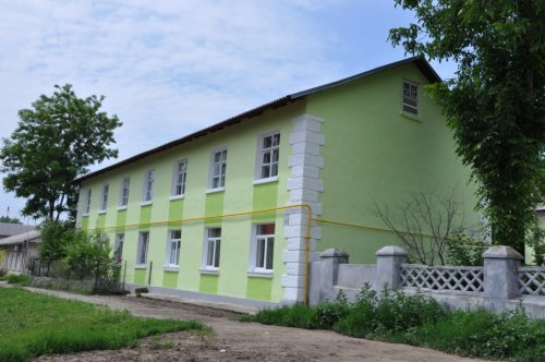 В городе полным ходом идет ремонт фасадов жилых домов
