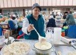 Торговля молочной продукцией на рынке из-за жары ограничена