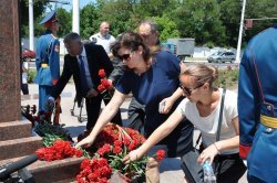 В городе проходят траурные мероприятия, посвященные 26-й годовщине Бендерской трагедии