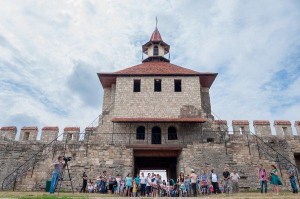 Воспитанники реабилитационных центров республики побывали в Бендерской крепости