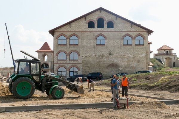Александро-Невский парк будет благоустроен к 15 сентября