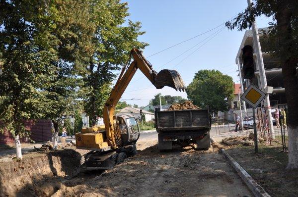 Замена коллектора по улице Котовского на финишной стадии