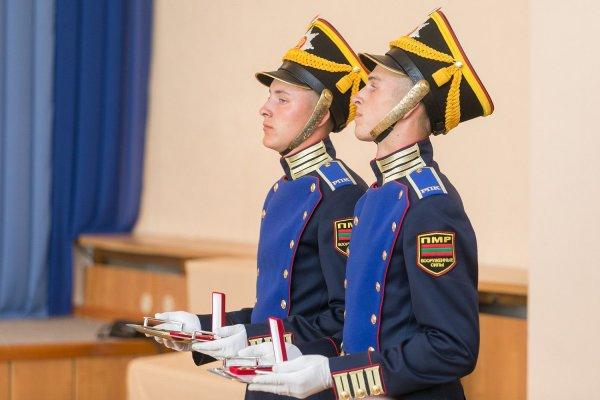 Традиционная церемония вручения наград, приуроченная к главному государственному празднику, состоялась во Дворце Республики