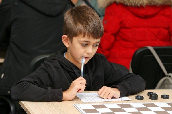 В Бендерах в 9-й раз провели Международный турнир по шашкам памяти Николая Грингруза.