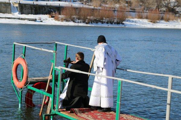 Для души и тела с пользой. В Бендерах проходят крещенские купания
