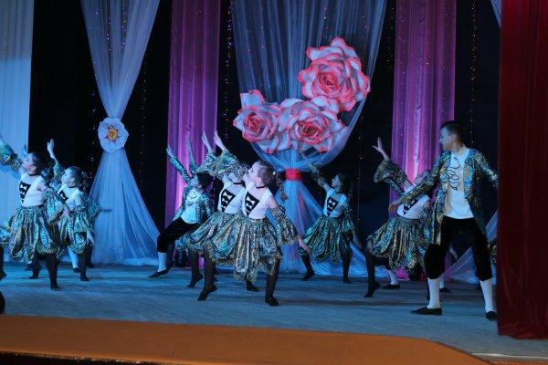 Дарите женщинам цветы. В преддверии 8 Марта в Бендерах состоялся праздничный концерт