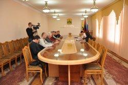 Оптимизацию работы общественного транспорта обсудили в Государственной администрации
