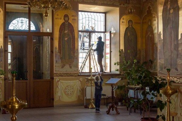 Руководство республики вышло на субботник в Бендерской крепости