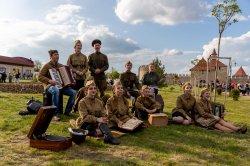 Музыка Победы  вчера звучала в парке А. Невского