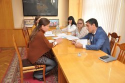 Совет и помощь от главы. Роман Иванченко провел прием граждан по личным вопросам