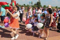 Территория детства. Фестиваль в Бендерской крепости 1 июня собрал тысячи мальчишек и девчонок, а также их родителей