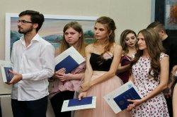 Выпускники демонстрируют таланты