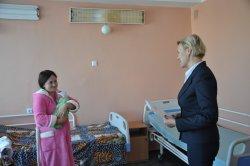 Двойной праздник.  В Бендерах поздравили матерей с младенцами, подаривших новые жизни на День города