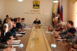 Работу профсоюзов обсудили в ходе Общественного совета
