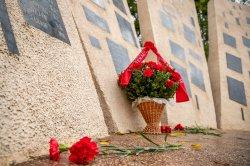 В день города прошло возложение цветов на Мемориале Памяти и Скорби и на площади Героев