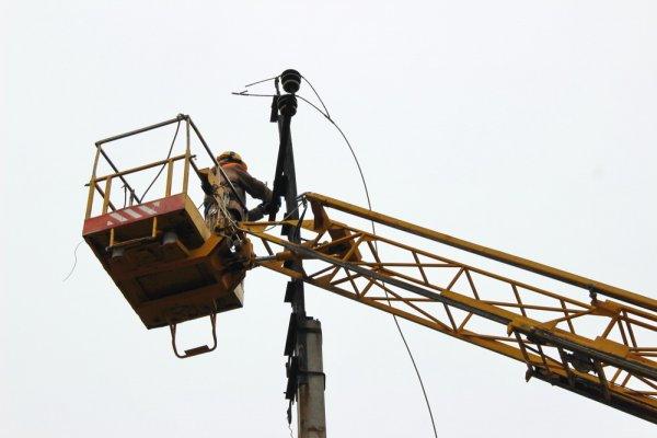Бендерские энергетики в рамках инвестпрограммы реконструируют воздушные и кабельные электролинии (+видео)