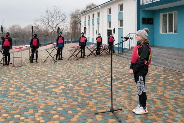 Воспитанники бендерского Центра гребных видов спорта получили 10 новых байдарок