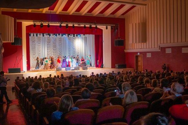 Открытие после реконструкции ДК им. Павла Ткаченко, праздничная программа в преддверии 8 Марта