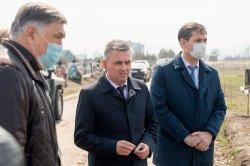 Президент поручил продолжить установку на территории Борисовского кладбища памятников умершим защитникам