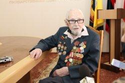 Ветерану ВОВ Виталию Бабаку исполнилось 100 лет (с видео)
