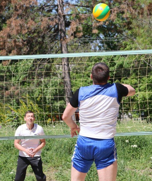 В Бендерах ко Дню Победы приурочили футбольные и волейбольные турниры