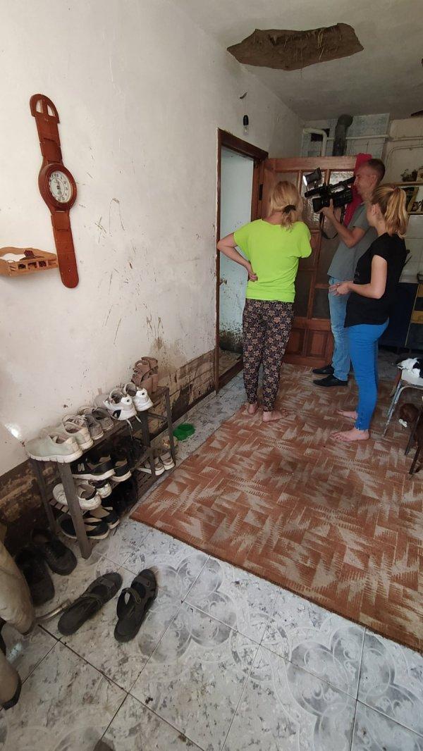 Глава Бендер встретился с жителями улиц Протягайловки, затопленных во время ливня